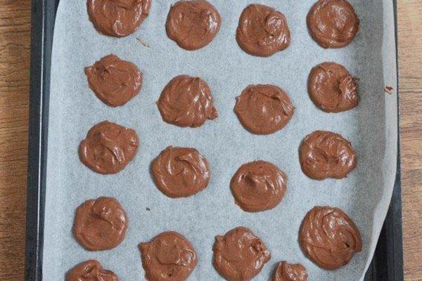 shokoladnie-vupi-so-slivkami5