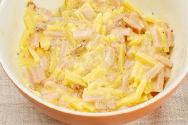 gorjachie-buterbrodi-s-vetchinoi-i-sirom3