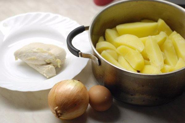 kartofelnie-kotleti-s-kuricei1