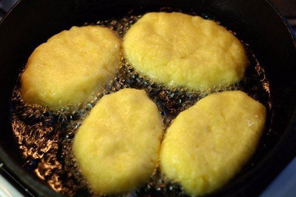 kartofelnie-kotleti-s-kuricei8