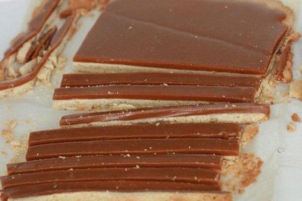 konfeti-s-karamelju-v-shokoladnoi-glazuri7